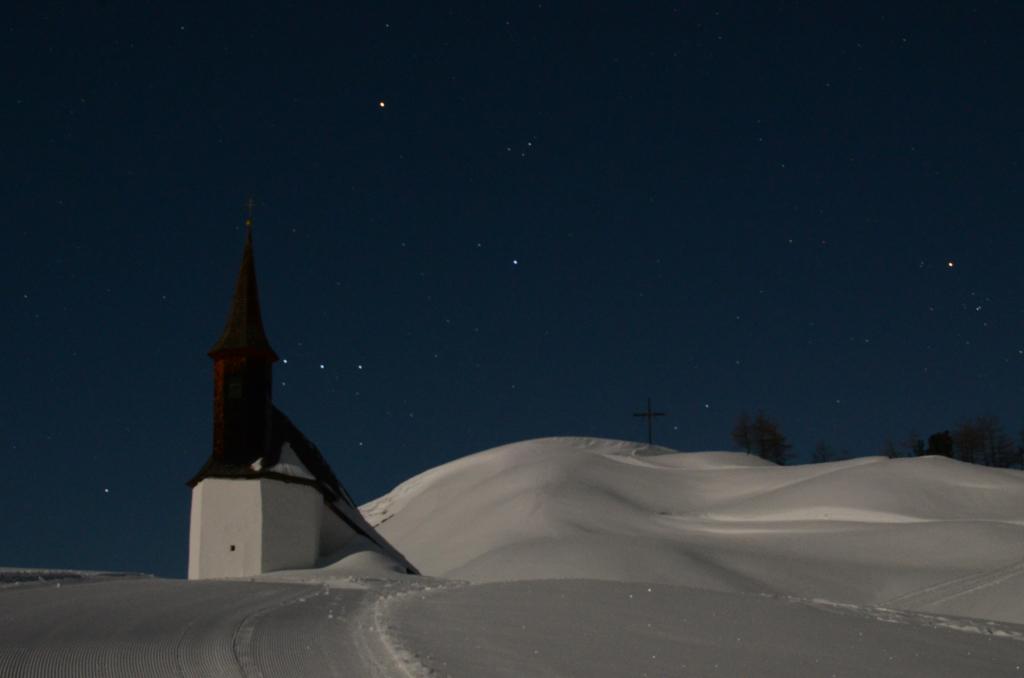 FGE_2127_church_snow